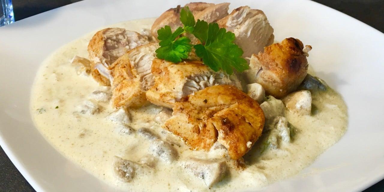 Kurczak w sosie pieczarkowym z parmezanem