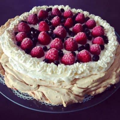 Tort Pavlova bez cukru - beza ketogeniczna 1