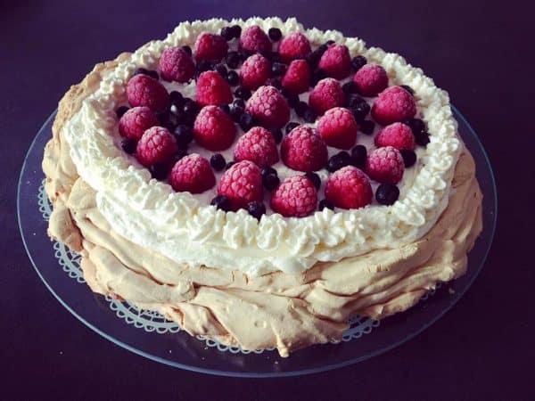 Tort Pavlova bez cukru – beza ketogeniczna